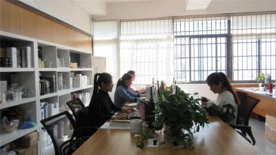 19.Xiamen Rowey Glass Industry Co., Ltd.