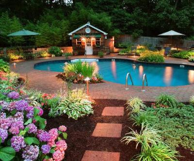5.Garden Decor