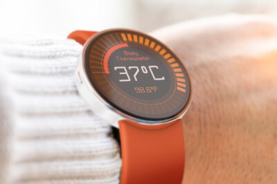 6.BODY TEMPERATURE SMART-WATCH