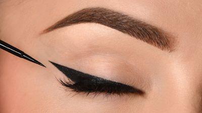 3.Eyeliner