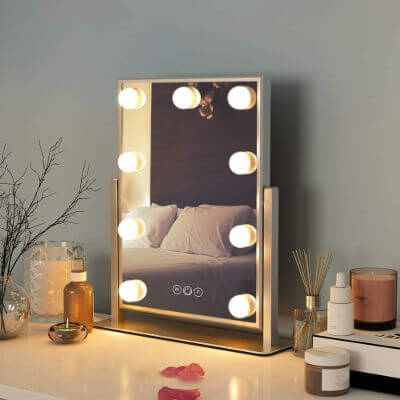 3.Makeup mirror