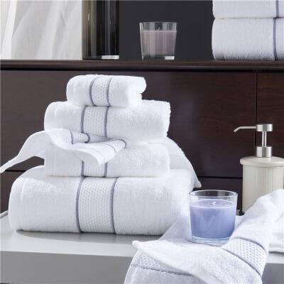 9.Hotel towels