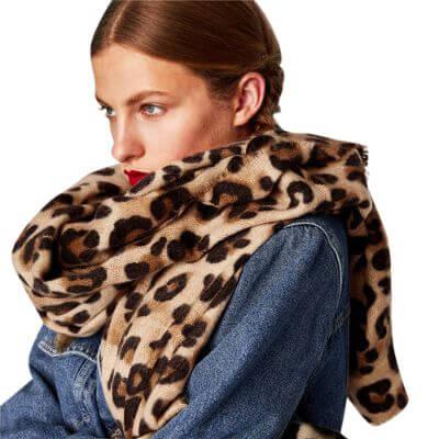 10.Leopard Scarfs